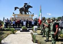 """<a href=""""/noticias/cabalga-nuevamente-zapata-inauguran-nueva-ubicacion-del-monumento"""">Cabalga nuevamente Zapata; Inauguran nueva ubicación del monumento</a>"""
